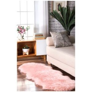Faux Lambskin Surede Shaggy Blush Runner Throw